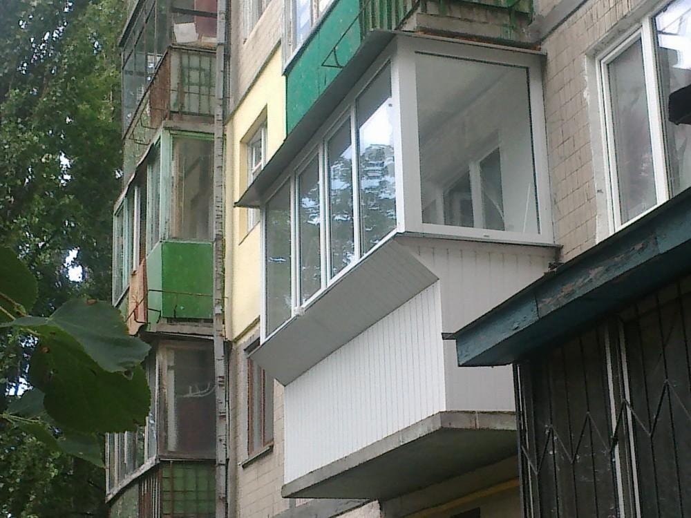 Ремонт и остекление балконов и лоджий. Фаворит Окон. Ремонт, остекление и утепление балконов и лоджий в Киеве.